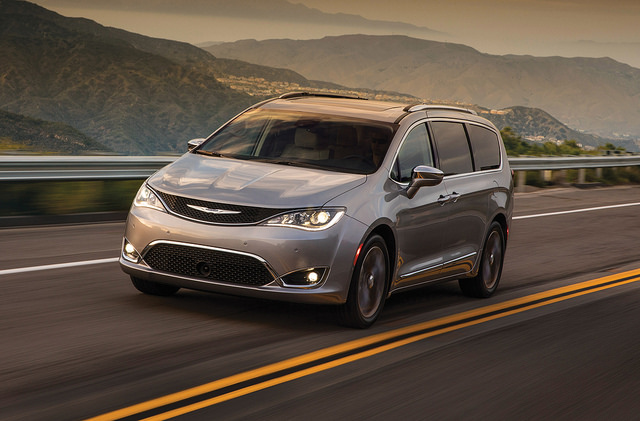 2018 Chrysler Pacifica S Earance Package