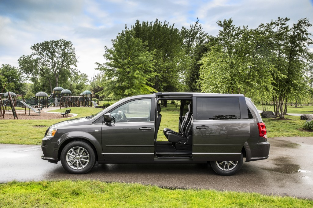 2014 Dodge Grand Caravan - Consumer Guide Best Buy Award