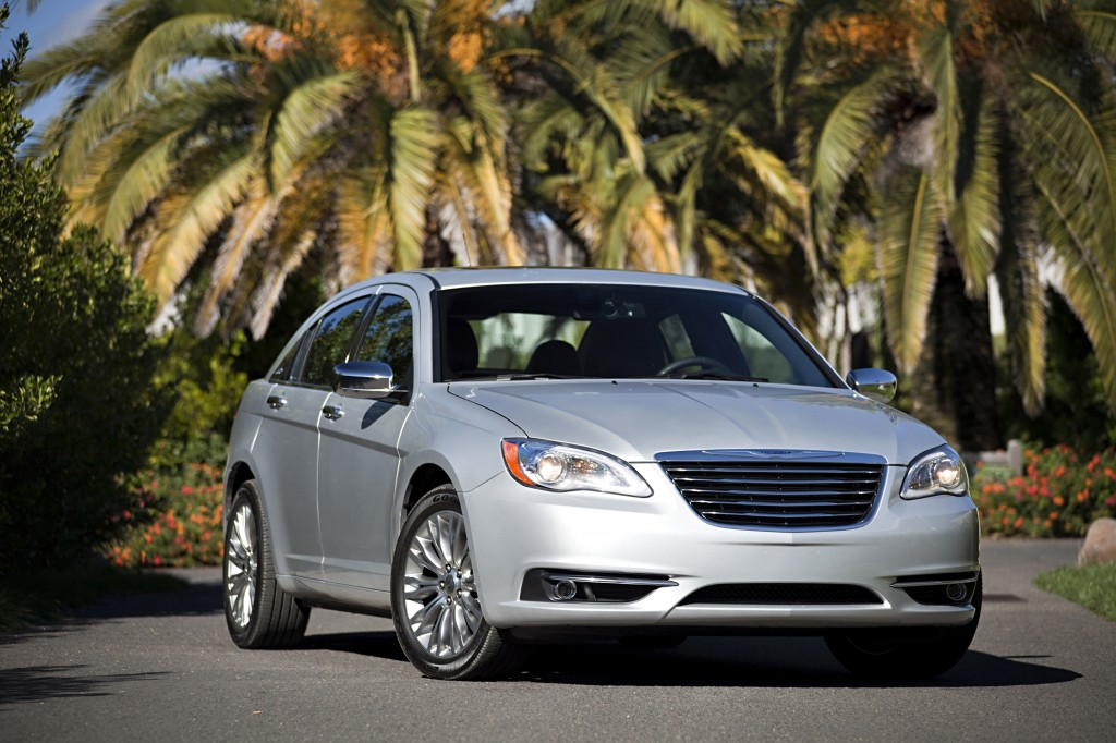 2014 Chrysler 200 - IIHS Top Safety Picks